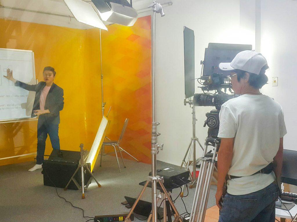 Day Hoc Toan Nipimedia Livestream